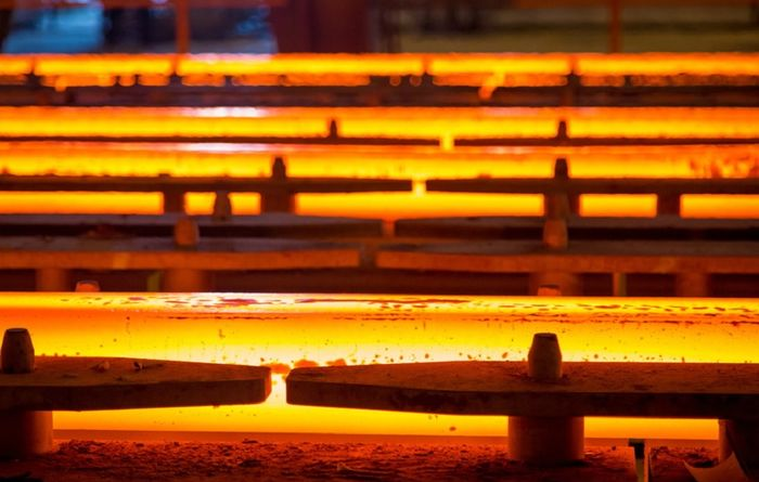 World steel output up