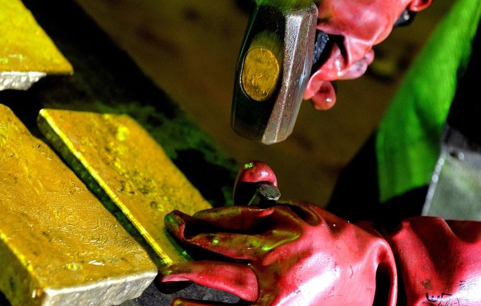 AngloGold Ashanti prices US$700M offering