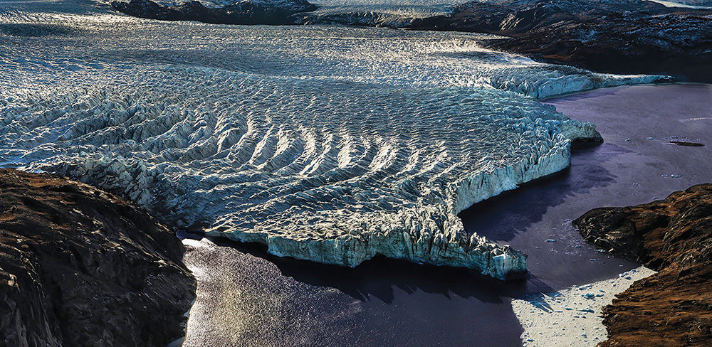 he edge of the ice cap near angerlussuaq in reenland