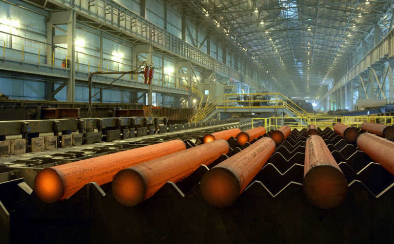 Global steel output continues decline