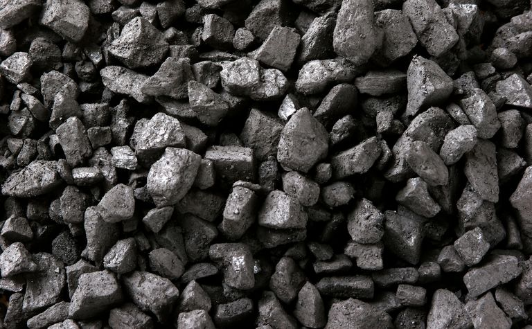 Corsa Coal rises on improved outlook