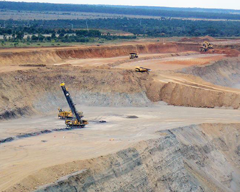 Mining contractor pauses dividend to maintain liquidity