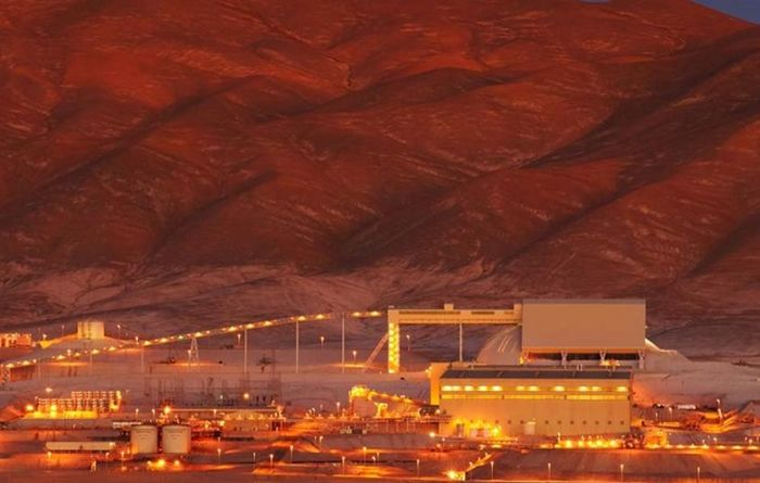BHP seeks mediation at Escondida copper mine, delaying strike