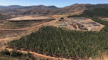 Investors back South Africa gold developer