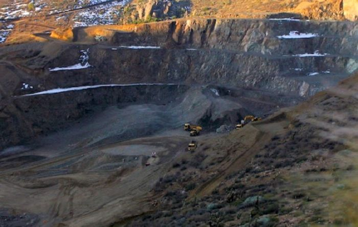 Sprott invests $40M in Chile copper miner