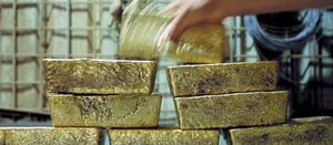 Gold price lifts steady Newmont
