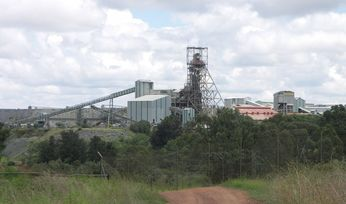 Sibanye-Stillwater ups Lonmin offer