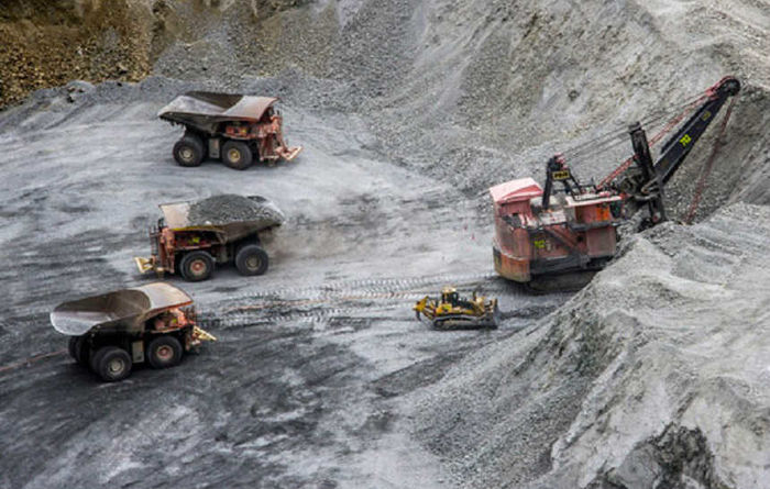 Deluge hampers Chile mines