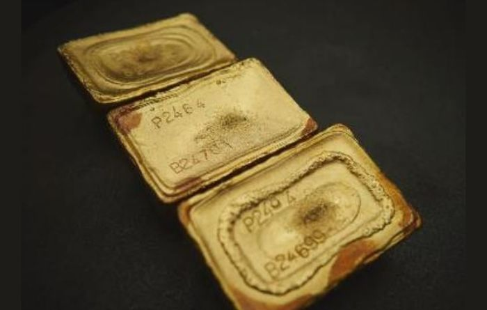 Newcrest shines as gold equities rise