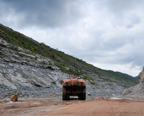 PE firm offers help to struggling miners