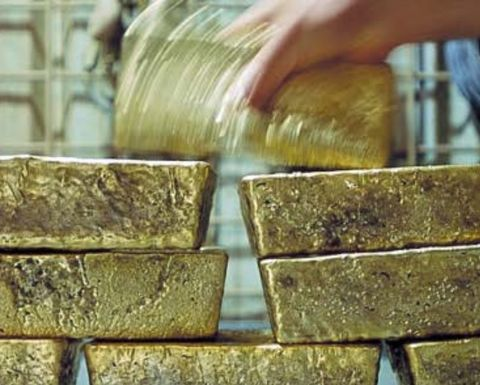 Gold demand slumps to 13-year low in December quarter