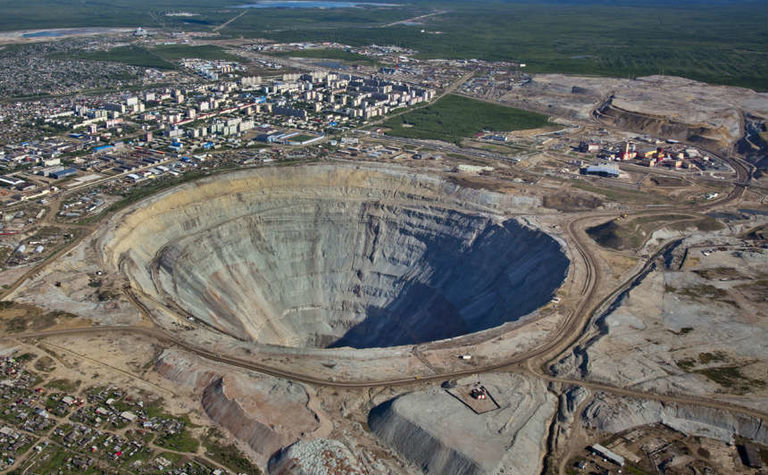 Eight miners missing at Alrosa mine