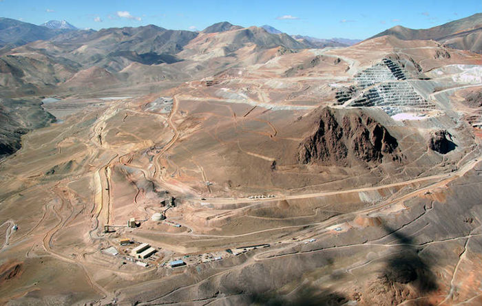 Barrick increases dividend on record free cash flow