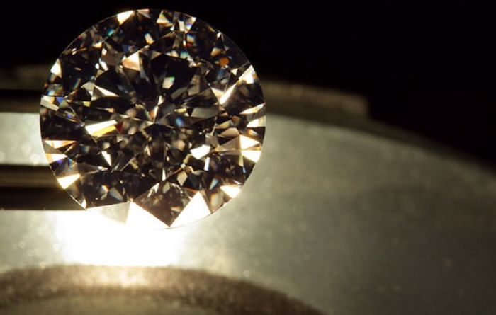 Rio gives diamond project to India