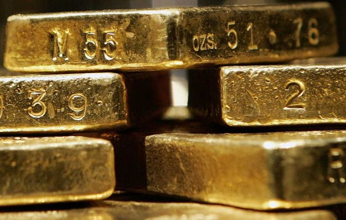 Big banks turn positive on gold