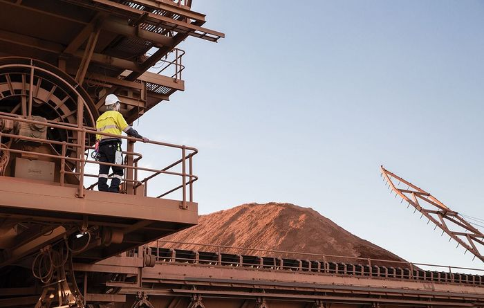 Manganese bounce may fall with iron ore