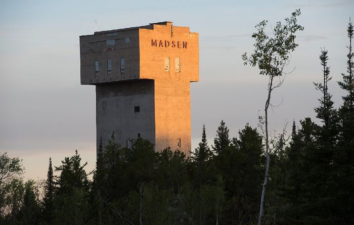Madsen, Canada: 5.8m grading 27.1g/t Au from 157m depth (PG17-364)