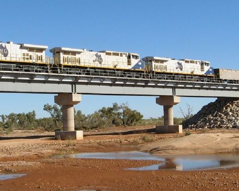 Fortescue Metals contracts Weir for Iron Bridge