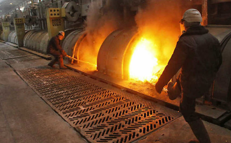 Chinese smelter cuts boost aluminium