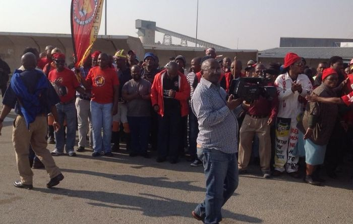 NUM declares dispute over gold wage offers