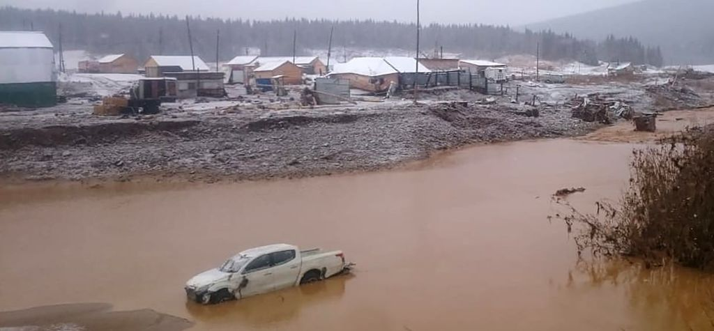 Arrests made after Russian gold mine dam collapse kills 15