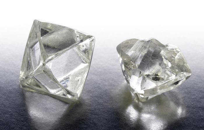 De Beers rough sales slip on subdued demand