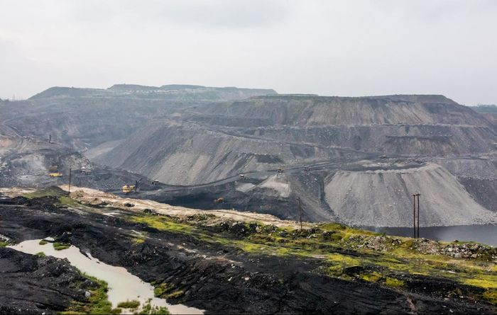 Top India coal mine knocked out, coal price up