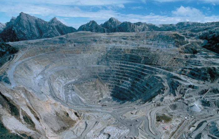 Higher copper sales, prices boost Freeport