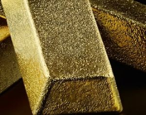 Survey has gold edging higher in 2019